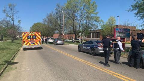 Tiroteo en escuela de Tennessee deja un muerto y varios heridos