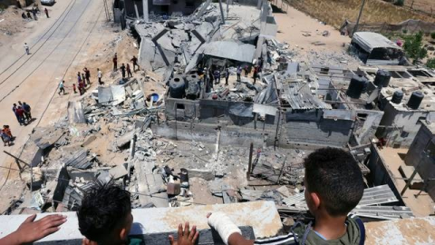 Mueren 17 integrantes de una familia en Gaza por bombardeos