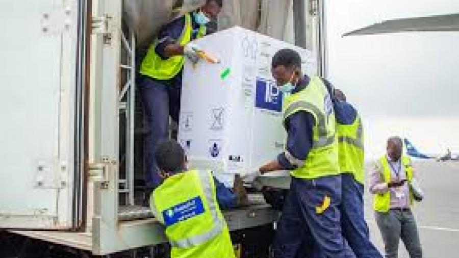 Ruanda es el primer país de áfrica en recibir vacunas anticovid de Pfizer-BioNTech