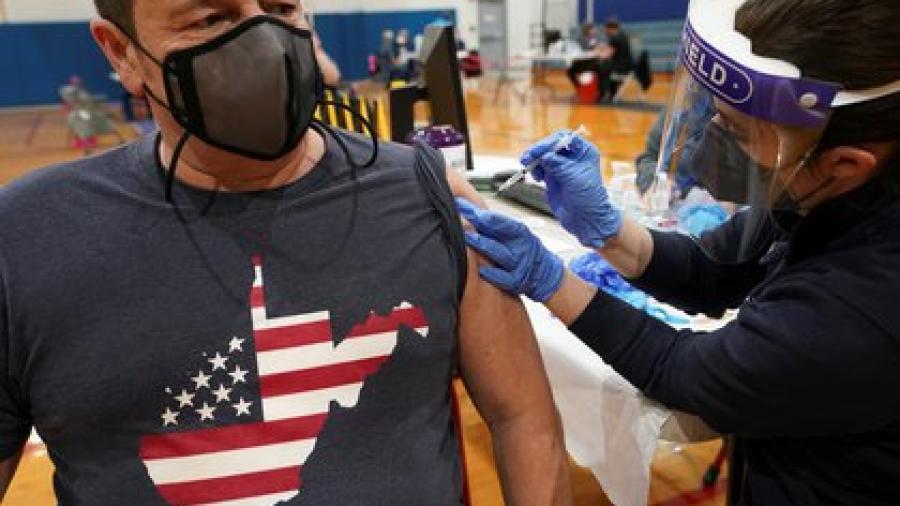 Estados Unidos bate récord de vacunación anticovid, suma 4.6 millones en 24 horas