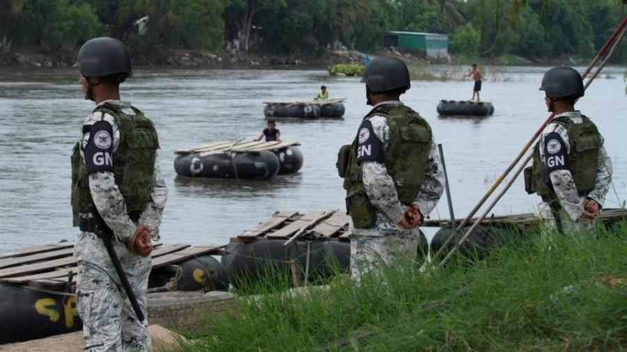 México desplegará 10 mil soldados en frontera sur para contener migración